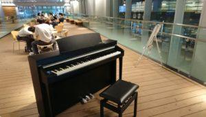 富山駅ピアノ