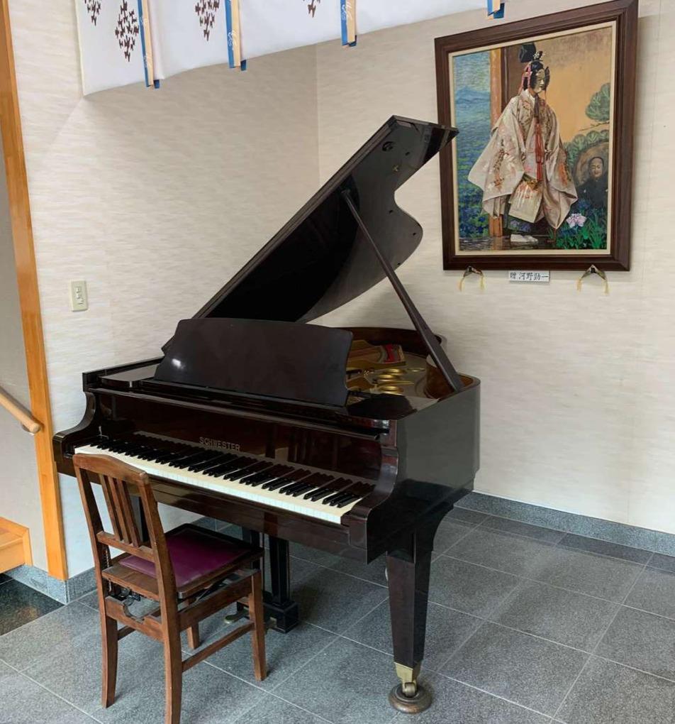 SCHWESTERは国産の手作りピアノ